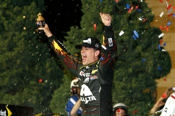9-10 May, 2014, Kansas City, Kansas USA Jeff Gordon celebrates in victory lane ©2014, Russell LaBounty LAT Photo USA