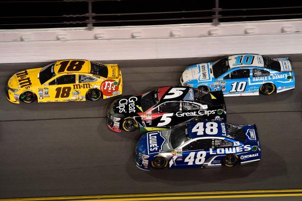 12-13 February, 2016, Daytona Beach, Florida, USA Kyle Busch, M&M's 75 Toyota Camry (18), Kasey Kahne (5), Jimmie Johnson (48), Danica Patrick (10) ?2016, John Harrelson / LAT Photo USA
