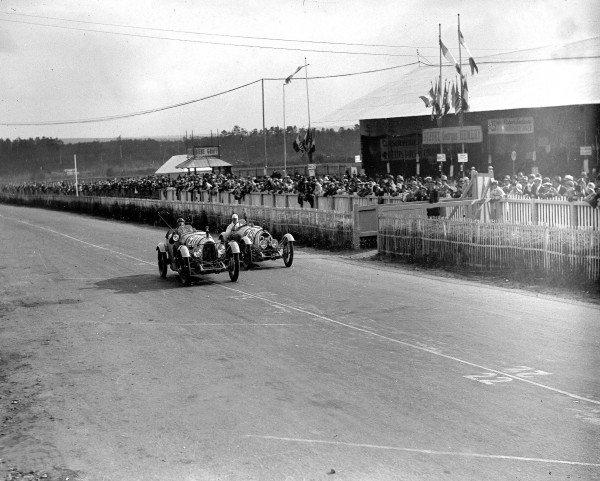 Le Mans, France. 15-16 June 1929.Lucien Desvaux/Auguste Garalp (BNC-Meadows 1 5-litre) leads Lajeune/Maurice Faure (BNC 1-litre).Ref-Motor 742/1.World Copyright - LAT Photographic