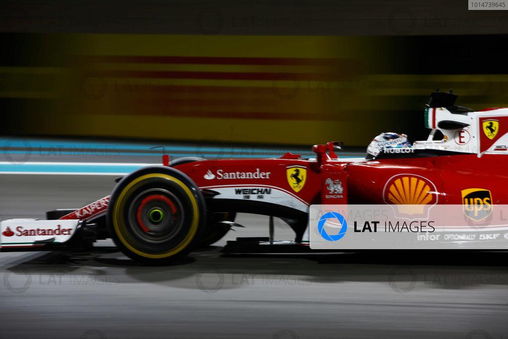 Yas Marina Circuit, Abu Dhabi, United Arab Emirates. Sunday 27 November 2016. Sebastian Vettel, Ferrari SF16-H. World Copyright: Andy Hone/LAT Photographic ref: Digital Image _ONY7679