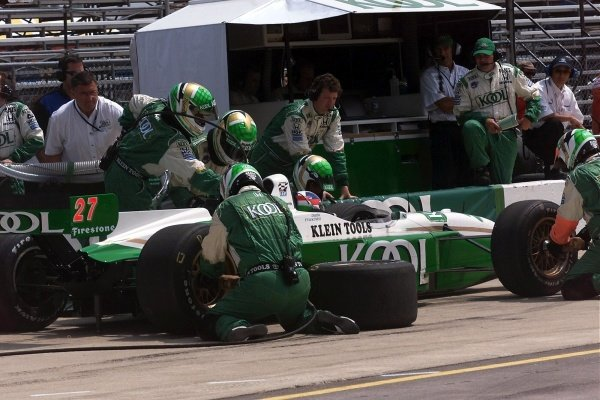 Second place finsiher Dario Franchitti (GBR) Kool Green in a mid race oit stop. He beat the third place driver by two inches over 500 miles of racing. Michigan 500, Brooklyn, Milwaukee, USA, 22 July 2001.
