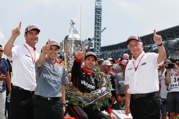 Winner Will Power, Team Penske Chevrolet, podium, Victory Lane, team, Roger Penske, Tim Cindric, David Faustino