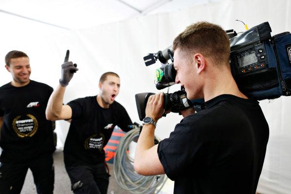 2015 GP2 Series Round 9.  Sochi Autodrom, Sochi, Russia  Sunday 11 October 2015. Stoffel Vandoorne (ART Grand Prix) celebrates winning the GP2 Championship. World Copyright: Alastair Staley/LAT Photographic  ref: Digital Image _R6T1279