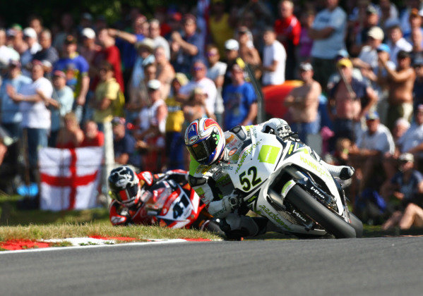 Brands Hatch, England. 3rd - 5th August 2007. James Toseland, Honda CBR1000RR (1st position), leads Noriyuki Haga, Yamaha YZF R1 (2nd position), action. World Copyright: Kevin Wood/LAT Photographic ref: Digital Image IMG_8988a