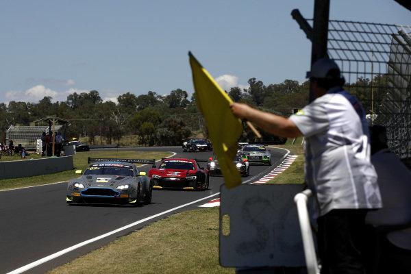 #62 R-Motorsport Aston Martin Vantage GT3: Jake Dennis, Matthieu Vaxiviere, Marvin Kirchhöfer leads under yellow.