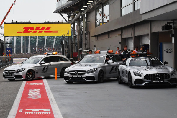 Medical car and Safety car at Formula One World Championship, Rd14, Singapore Grand Prix, Practice, Marina Bay Street Circuit, Singapore, Friday 15 September 2017.