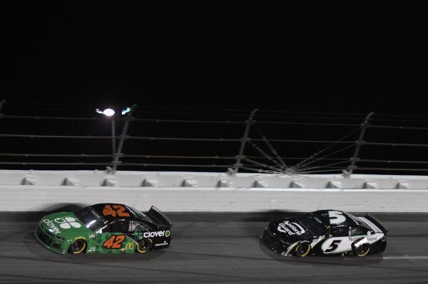 #42: Ross Chastain, Chip Ganassi Racing, Chevrolet Camaro Clover #5: Kyle Larson, Hendrick Motorsports, Chevrolet Camaro NationsGuard