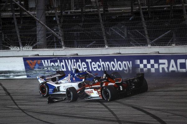 #10: Alex Palou, Chip Ganassi Racing Honda, #21: Rinus VeeKay, Ed Carpenter Racing Chevrolet crash in turn one
