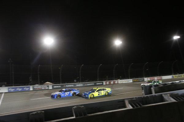 #37: Ryan Preece, JTG Daugherty Racing, Chevrolet Camaro Kroger/Crest, #21: Matt DiBenedetto, Wood Brothers Racing, Ford Mustang Menards/Dutch Boy