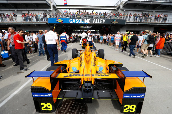 Verizon IndyCar Series Indianapolis 500 Race Indianapolis Motor Speedway, Indianapolis, IN USA Sunday 28 May 2017 The car of Fernando Alonso, McLaren-Honda-Andretti Honda, is prepared. World Copyright: Steven Tee/LAT Images ref: Digital Image _R3I7354
