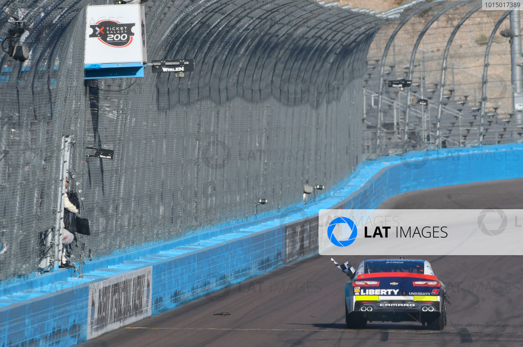 NASCAR XFINITY Series Ticket Galaxy 200 Phoenix Raceway, Avondale, AZ USA Saturday 11 November 2017 William Byron, Liberty University Chevrolet Camaro celebrates his win World Copyright: Nigel Kinrade LAT Images