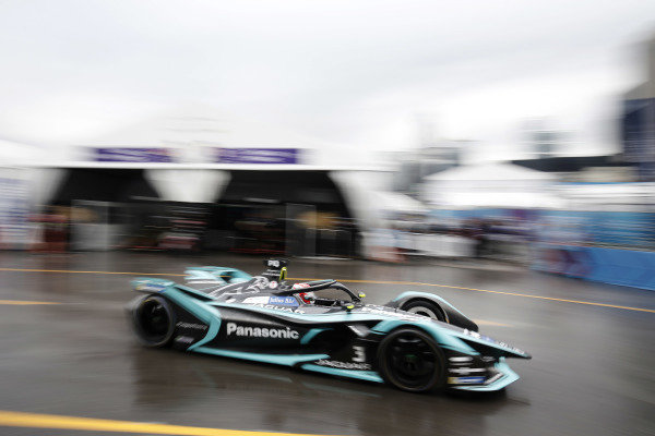 Nelson Piquet Jr. (BRA), Panasonic Jaguar Racing, Jaguar I-Type 3 passes through the pit lane
