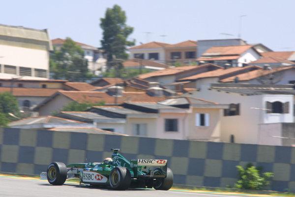 2002 Brazilian Grand Prix - Friday PracticeInterlagoes, Sao Paulo. 29th March 2002Eddie Irvine (Jaguar R3). World Copyright - LAT Photographicref: Digital File Only