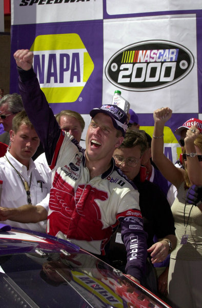 Winner Jeremy Mayfield shouts for joyy upon climbing from his car in Victory Lane.NAPA Auto Parts 500 at California Speedway, Fontana, California, USA, 30 April,2000.-F Peirce Williams 2000 LAT PHOTOGRAPHIC USA