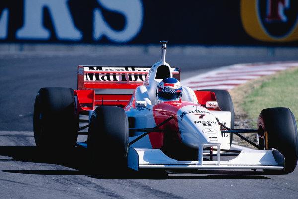 1996 Argentinian Grand Prix.Buenos Aires, Argentina. 5-7 April 1996.Mika Hakkinen (McLaren MP4/11 Mercedes).Ref-96 ARG 27.World Copyright - LAT Photographic
