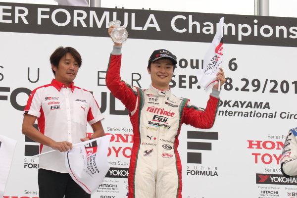 Winner Kenta Yamashita, Kondo Racing, Dallara SF19 Honda, celebrates on the podium