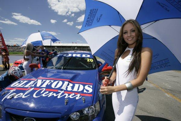 2006 Australian V8 Supercars Clipsal 500, Adelaide, Australia. 25th - 26th March 2006. Grid Girls. World Copyright: Mark Horsburgh/LAT Photographic ref: Digital Image Only.
