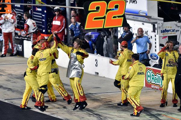 22-23 August, 2014, Bristol, Tennessee USA Joey Logano's crew celebrate their win ? 2014, Nigel Kinrade LAT Photo USA