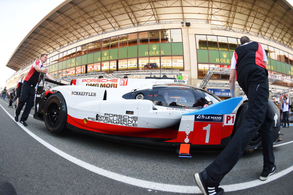 2017 Le Mans 24 Hours test day. Circuit de la Sarthe, Le Mans, France. Friday 2 June 2017 #1 Porsche Team Porsche 919 Hybrid: Neel Jani, Andre Lotterer, Nick Tandy World Copyright: Rainier Ehrhardt/LAT Images ref: Digital Image 24LM-testday-re-0087
