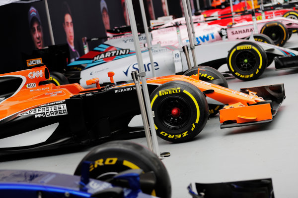 F1 Live London. London, United Kingdom. Wednesday 12 July 2017. A line-up of Formula 1 cars in Trafalgar Square ahead of the London F1 street demonstration. R-L: Toro Rosso, McLaren, Williams Force India, Ferrari and Red Bull. World Copyright: Zak Mauger/LAT Images ref: Digital Image: _54I1662