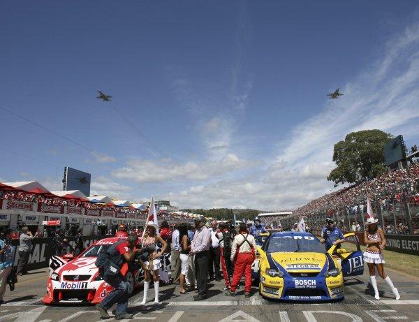 2007 Australian V8 Supercars - Clipsal 500.Adelaide, Australia. 1st - 4th March 2007.The starting grid.World Copyright: Mark Horsburgh/LAT Photographicref: Digital Image Race grid-RD01-07-1204