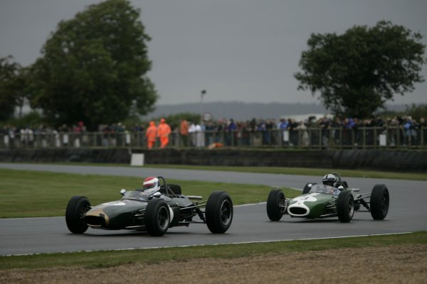 2006 Goodwood Revival Meeting. Goodwood, West Sussex. 2nd - 3rd September 2006 Glover Trophy.Bobby Rahal fends off Duncan Dayton.World Copyright: Gary Hawkins/LAT Photographic ref: Digital Image Only