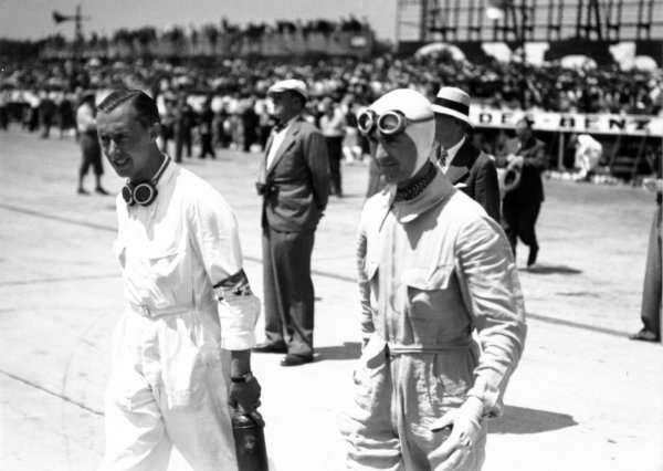 1935 French Grand Prix Montlhery, France. 23 June 1935 Rene Dreyfus (left) and Louis Chiron, portrait, helmet World Copyright: Robert Fellowes/LAT PhotographicRef: 35FRA03
