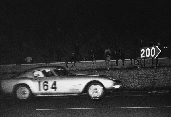 Le Mans, France. 21st September 1958.Olivier Gendebien/Lucien Bianchi (Ferrari 250 GT), 1st position, action. World Copyright: LAT Photographic.Ref:  B/W Print