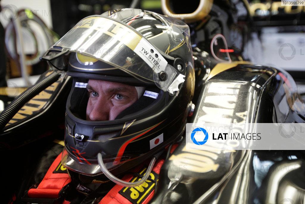 Albert Park, Melbourne, Australia 25th March 2011. Nick Heidfeld, Lotus Renault GP R31. Portrait. Helmets.  World Copyright: Andrew Ferraro/LAT Photographic ref: Digital Image AF5D8928