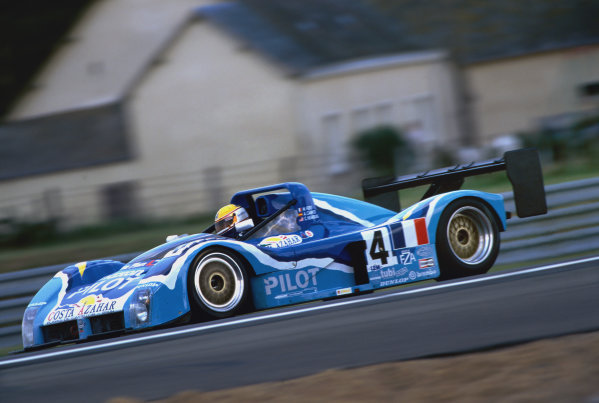 1997 Le Mans 24 Hours. Le Mans, France. 14th - 15th June 1997. Michel Ferte/Adrian Campos/Charles Nearburg (Ferrari 333 SP), retired, action.  World Copyright: LAT Photographic. Ref:  97LM20