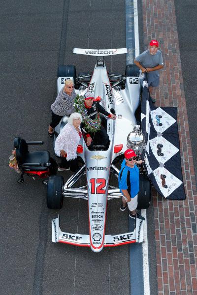 Winner, Will Power, Team Penske Chevrolet, and Team, Quilt Lady