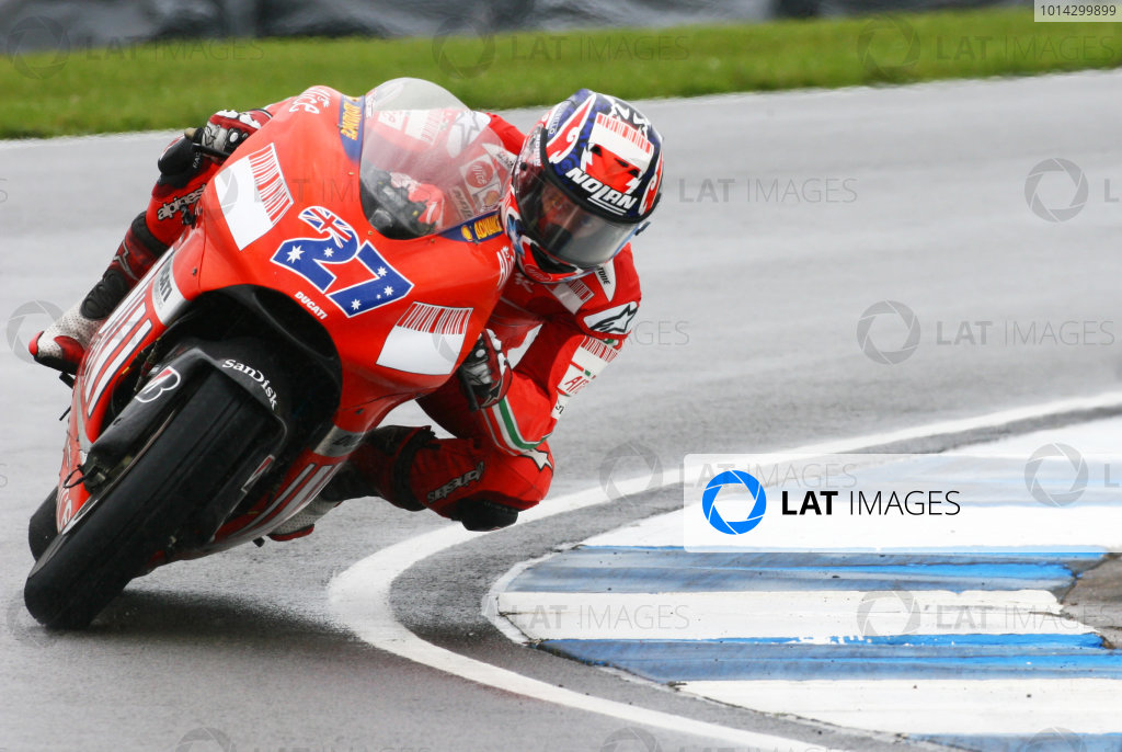 2007 MotoGP. British Grand Prix.  Donington Park, England. 22nd-24th June 2007.  Casey Stoner, Ducati.  Ref: IMG_6200a. World Copyright: LAT Photographic