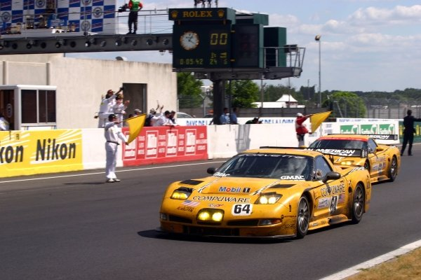Oliver Gavin (GBR) / Olivier Beretta (FRA) / Jan Magnussen (DEN) Corvette Racing Chevrolet Corvette C5-R cross the line to win GTS.