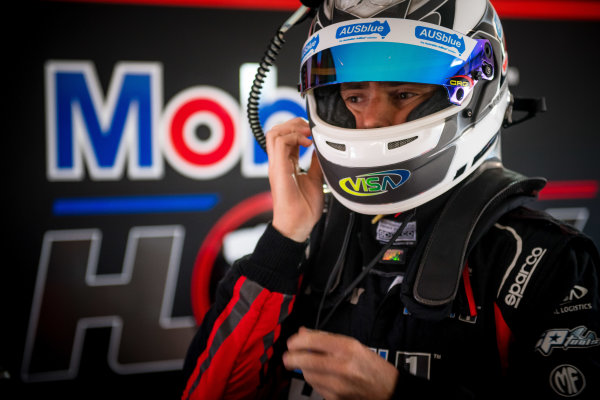 2017 Supercars Championship Round 4.  Perth SuperSprint, Barbagallo Raceway, Western Australia, Australia. Friday May 5th to Sunday May 7th 2017. Scott Pye driver of the #2 Mobil 1 HSV Racing Holden Commodore VF. World Copyright: Daniel Kalisz/LAT Images Ref: Digital Image 050517_VASCR4_DKIMG_0328.JPG