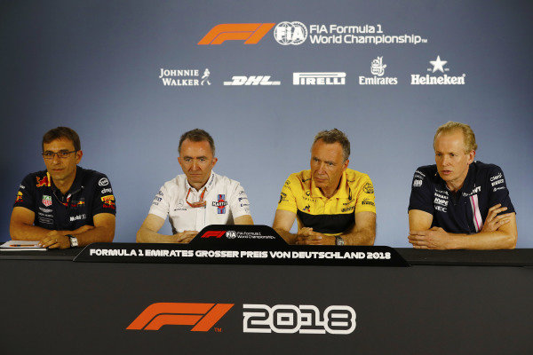 Andrew Green, Technical Director, Force India, Bob Bell, Chief Technical Officer, Renault Sport F1, Paddy Lowe, Williams Martini Racing Formula 1, and Pierre Wache from Red Bull, in the Friday press conference.