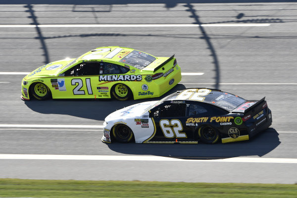 #21: Paul Menard, Wood Brothers Racing, Ford Fusion Menards / Dutch Boy, #62: Brendan Gaughan, Beard Motorsports, Chevrolet Camaro Beard Oil Distributing\ South Point Hotel & Casino