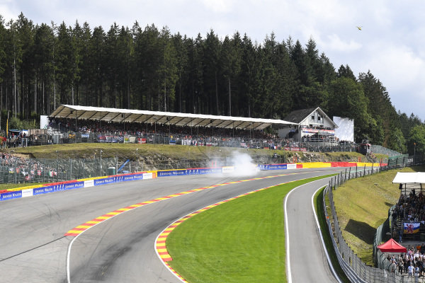 Max Verstappen, Red Bull Racing RB15, crashes at Eau Rouge