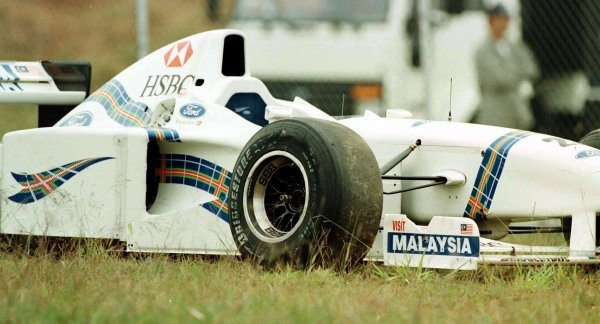 1997 Brazilian Grand Prix.Interlagos, Sao Paulo, Brazil.28-30 March 1997.Jan Magnussen (Stewart SF1 Ford) retired causing the race to need to be re-started.World Copyright - LAT Photographic