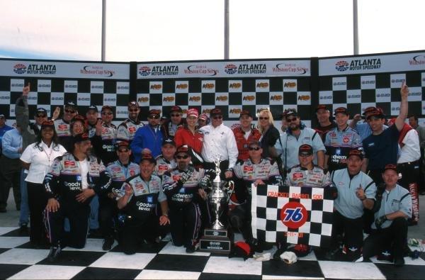 Kevin Harvick - Chevrolet - WinnerNascar Winston Cup, Atlanta, 11 March 2001BEST IMAGE