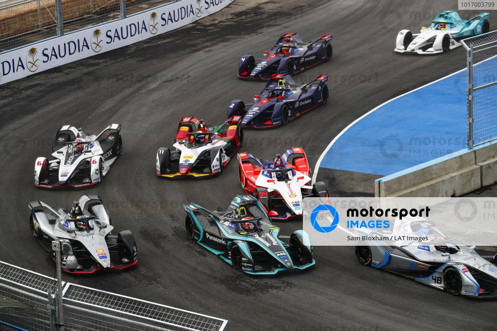 Edoardo Mortara (CHE) Venturi Formula E, Venturi VFE05, Nelson Piquet Jr. (BRA), Panasonic Jaguar Racing, Jaguar I-Type 3, Oliver Rowland (GBR), Nissan e.Dams, Nissan IMO1, Felix Rosenqvist (SWE) Mahindra Racing, M5 Electro and Lucas Di Grassi (BRA), Audi Sport ABT Schaeffler, Audi e-tron FE05
