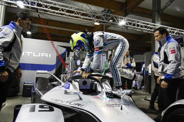 Felipe Massa (BRA), Venturi Formula E, climbs into his Venturi VFE05 in the garage