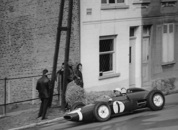 Heysel, Brussels, Belgium. 1st April 1962. Stirling Moss (Lotus 18-Climax), retired, action. World Copyright: LAT Photographic Ref:  Autocar Glass Plate C64682.