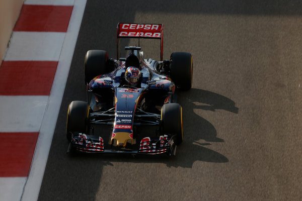 Yas Marina Circuit, Abu Dhabi, United Arab Emirates. Saturday 28 November 2015. Max Verstappen, Toro Rosso STR10 Renault. World Copyright: Charles Coates/LAT Photographic ref: Digital Image _99O9284
