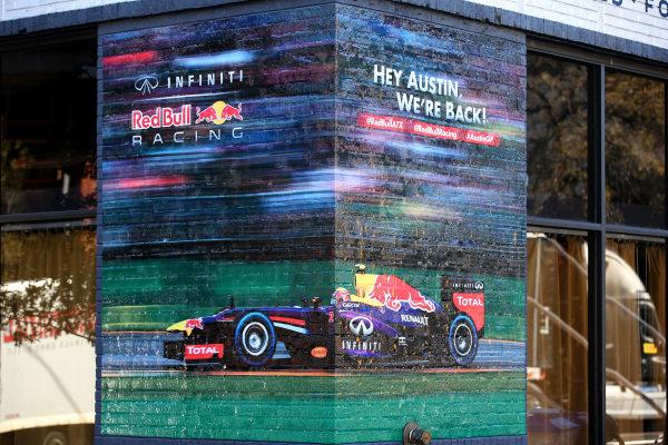 Mark Webber (AUS) Red Bull Racing mural on a wall in Austin. FOTA Austin Fans Forum, Cedar Street Courtyard, Austin, Texas, Wednesday 13 November 2013.