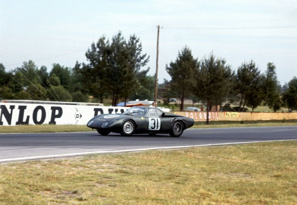 1965 Le Mans 24 hours.Le Mans, France. 19-20 June 1965.Graham Hill/Jackie Stewart (Rover-BRM Turbine), 10th position, action.World Copyright: LAT PhotographicRef: 1712