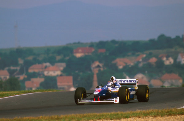 Hungaroring, Hungary.8-10 August 1997.Heinz-Harald Frentzen (Williams FW19 Renault). He failed to finish due to a fuel system problem.Ref-97 HUN 17.World  Copyright - LAT Photographic