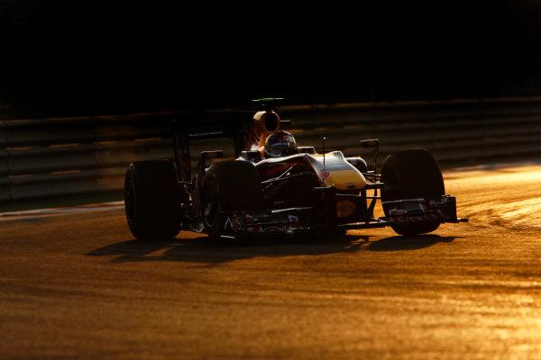 Yas Marina Circuit, Abu Dhabi, United Arab Emirates1st November 2009.Sebastian Vettel, Red Bull Racing RB5 Renault, 1st position. Action. World Copyright: Steven Tee/LAT Photographic ref: Digital Image _I4V7835