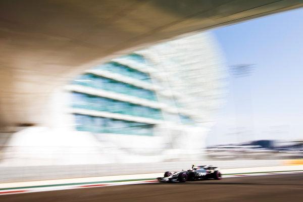 Yas Marina Circuit, Abu Dhabi, United Arab Emirates. Friday 24 November 2017. Antonio Giovinazzi, Haas VF-17. World Copyright: Andy Hone/LAT Images  ref: Digital Image _ONY0493