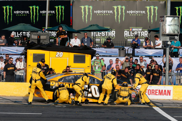 Monster Energy NASCAR Cup Series Monster Energy NASCAR All-Star Race Charlotte Motor Speedway, Concord, NC USA Friday 19 May 2017 Matt Kenseth, Joe Gibbs Racing, DEWALT Benefiting Wounded Warriors Project Toyota Camry World Copyright: Matthew T. Thacker LAT Images ref: Digital Image 17CLT1mt1411