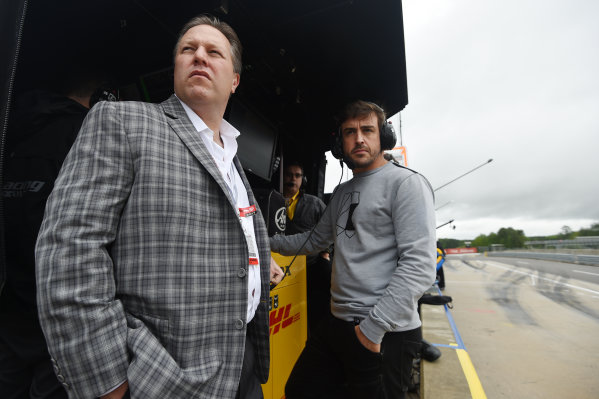 2017 Verizon IndyCar Series Honda Indy Grand Prix of Alabama Barber Motorsports Park, Birmingham, AL USA Sunday 23 April 2017 Zak Brown, McLaren CEO, Fernando Alonso World Copyright: Rainier Ehrhardt/LAT Images ref: Digital Image 20170423indycar-bhm-RAE-2764